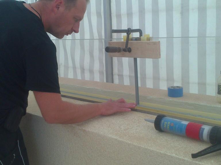 MS Polymer Glasfuge im Dauernassbereich / MS Polymer glassjointing in the range of permanentwetarea